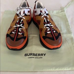 Burberry - Union low-top men sneakers